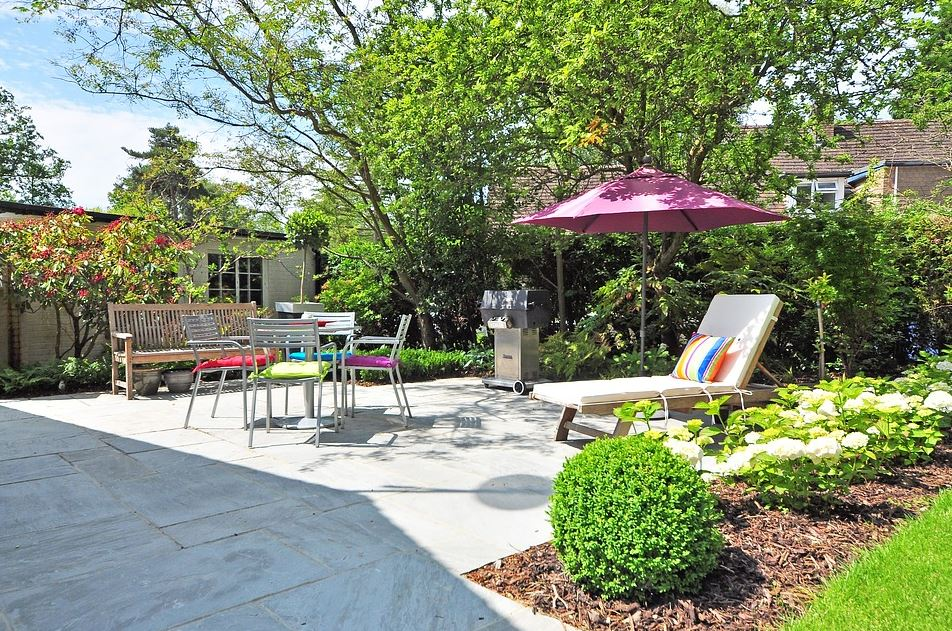 Ein Umbau der Terrasse kann das Anwesen verschönern