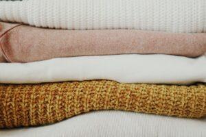 Gemütlich und warm: Kleidung aus Alpaka Wolle
